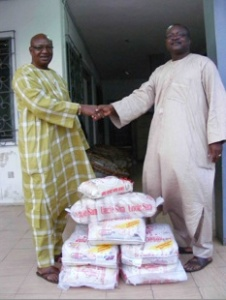 Alhaji Hearts receives donation from Alhaji Sanni Thomas