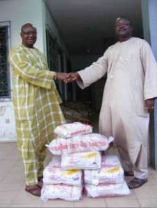Alhaji Hearts receives donation from Alhaji Sanni Thomas